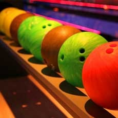 Things to do in Memphis East-Olive Branch, TN for Kids: Cosmic Bowling, Winchester Bowl