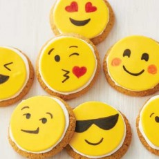Things to do in Spring Hill, FL: Kids Emoji Cookie Class